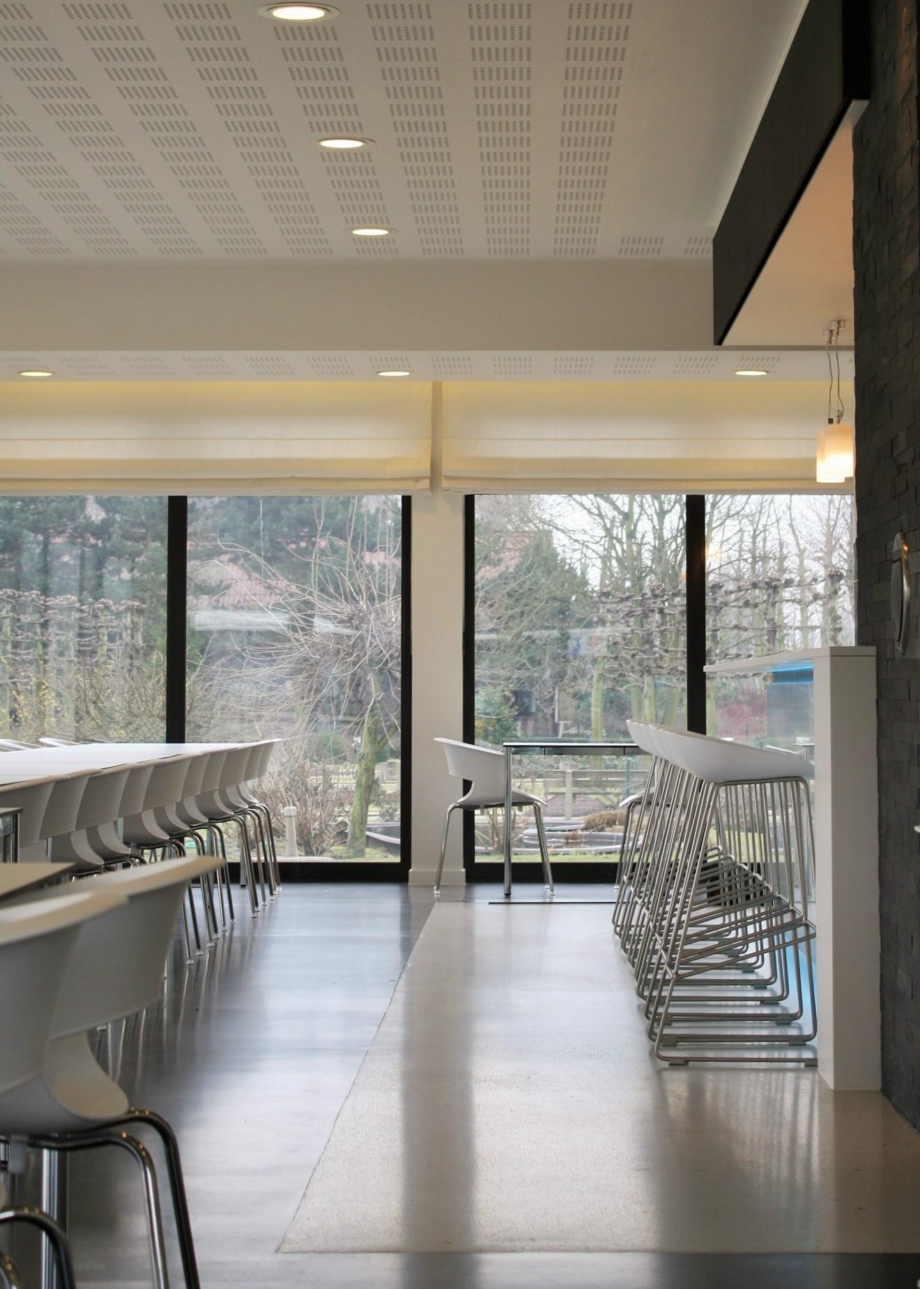 Architect- en ingenieursbureau Andries & Vuylsteke - Renovatie ziekenhuisrestaurant met vip ruimte.