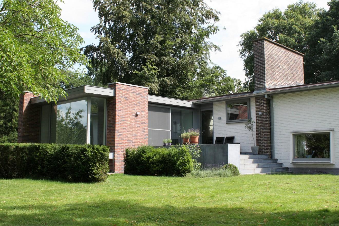 Architect- en ingenieursbureau Andries & Vuylsteke - Uitbreiding woning met dokterspraktijk